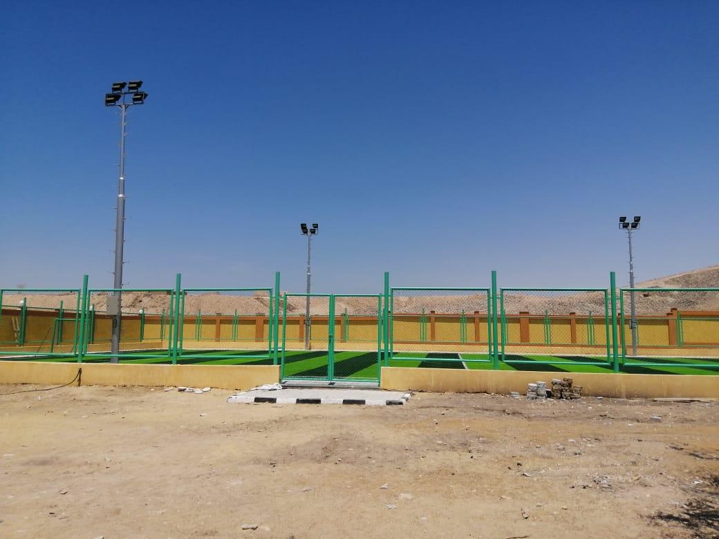 مدير شباب ورياضة الأقصر ورئيس مدينة الطود يتابعان تجهيزات المنشآت الشبابية (5)