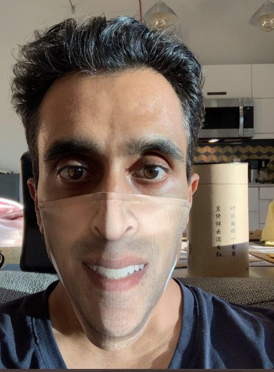 شاب أمريكي قرر طباعة صورة وجهه على الكمامة والنتيجة كوميدية..صور   (5)