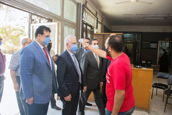 الدكتور كمال عكاشة، نائب رئيس جامعة طنطا للدراسات العليا والبحوث (4)