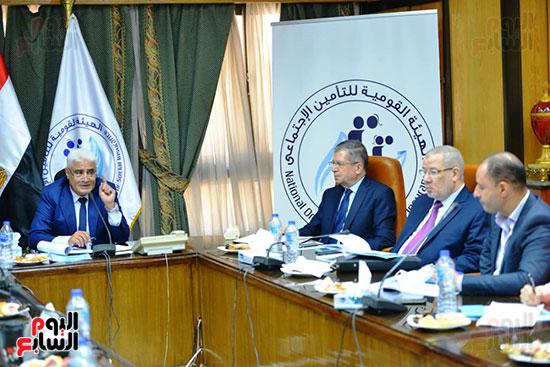 أول لقاء صحفي مع رئيس هيئة التأمينات  (5)