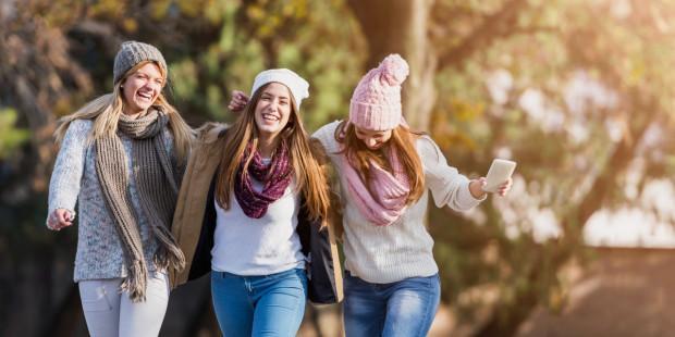 السعادة مع الأصدقاء