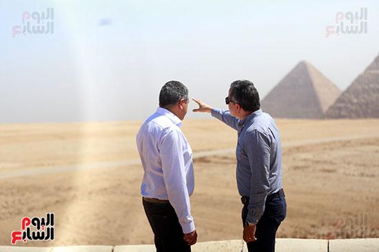 جولة وزير الآثار ورئيس هيئة السياحة   (13)