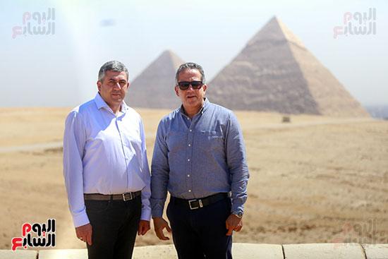 جولة وزير الآثار ورئيس هيئة السياحة   (14)