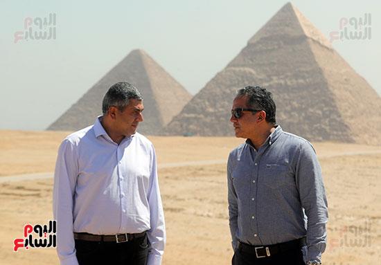 جولة وزير الآثار ورئيس هيئة السياحة   (36)