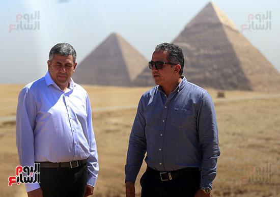 جولة وزير الآثار ورئيس هيئة السياحة   (15)