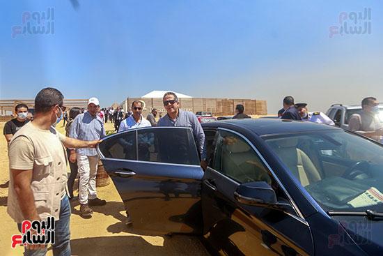 جولة وزير الآثار ورئيس هيئة السياحة   (29)