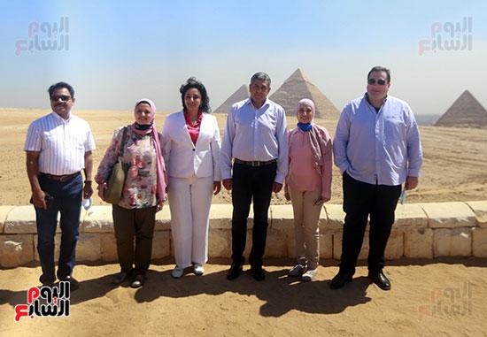 جولة وزير الآثار ورئيس هيئة السياحة   (17)