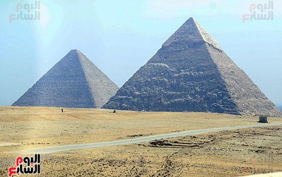 جولة وزير الآثار ورئيس هيئة السياحة  (1)