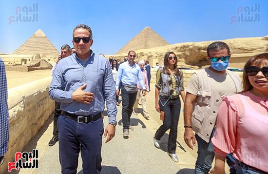 جولة وزير الآثار ورئيس هيئة السياحة  (33)