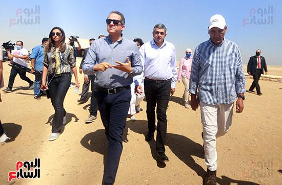 جولة وزير الآثار ورئيس هيئة السياحة  (7)