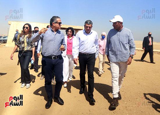 جولة وزير الآثار ورئيس هيئة السياحة  (6)