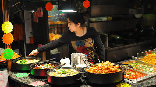 127-110724-complete-meals-china-food-waste-5