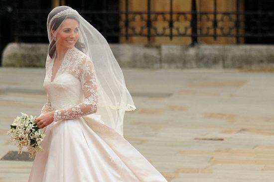 63434 %D9%83%D9%8A%D8%AA %D9%85%D9%8A%D8%AF%D9%84%D8%AA%D9%88%D9%86 - أغلى فساتين زفاف لمشاهير النساء حول العالم