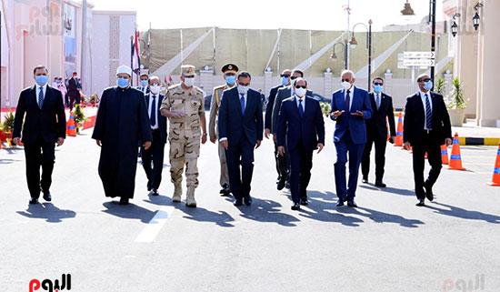 الرئيس-عبد-الفتاح-السيسي-يفتتح-عددا-من-المشروعات-الكبرى