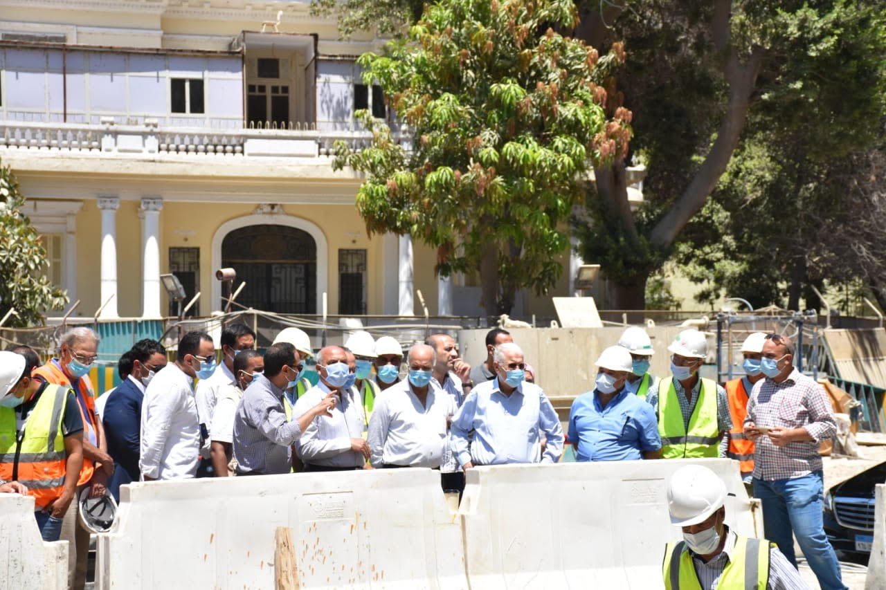 وزير النقل يتابع أعمال إصلاح عمارة الشربتلي بالزمالك (7)