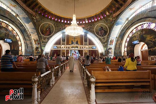 صحن الكنيسة