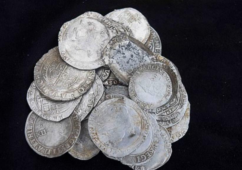 كنز من العملات