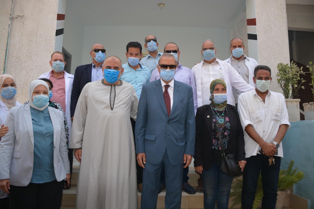 محافظ القليوبية مع الدكتورة أمل العسيلي