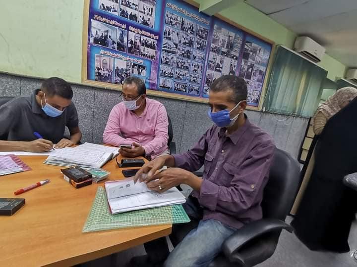 المراكز التكنولوجية بأسوان تتابع تلقي طلبات التصالح في مخالفات البناء  (10)
