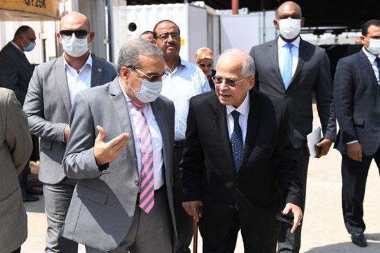 وزير الإنتاج الحربى يزور شركة IDWT (2)