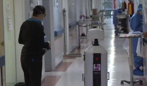 الروبوت فى المستشفى