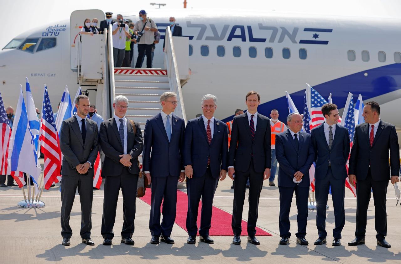 أول رحلة طيران تغادر إسرائيل للإمارات