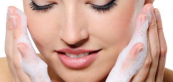 طرق طبيعية تفتيح الجسم والوجه
