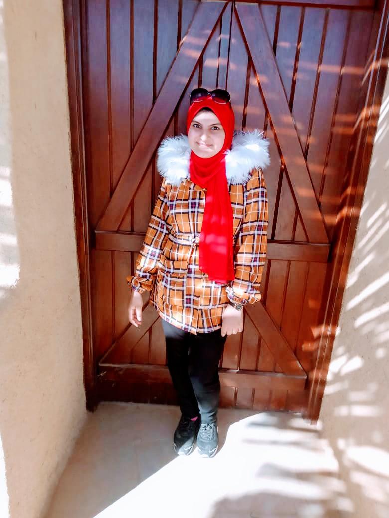 الطالبة شاهيناز  أيمن الأولى بالثانوية العامة