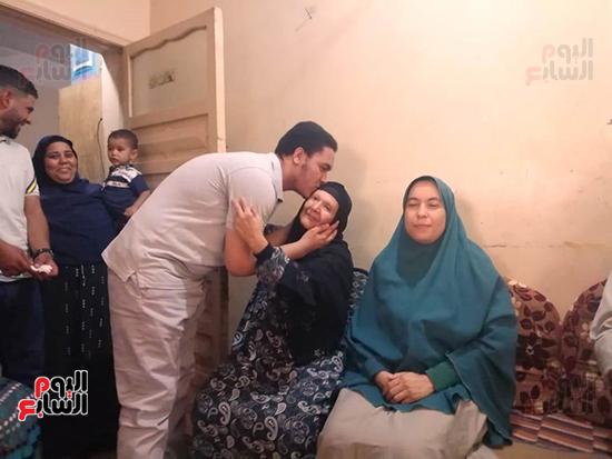 أحمد السيد برعى الأول على الجمهورية فى الثانوية العامة علمى علوم (2)