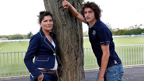 ادريان رابيو ووالدته