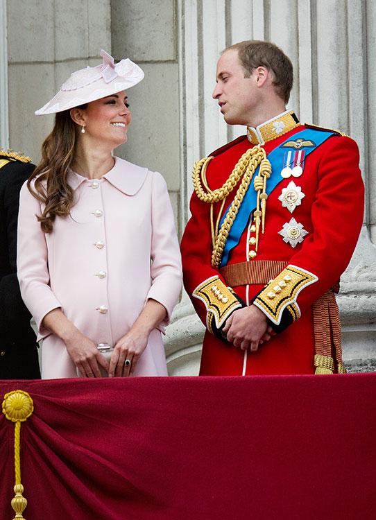 كيت حامل في طفلها الأول جورج