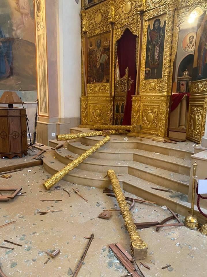 آثار الانفجار بالكاتدرائية (2)
