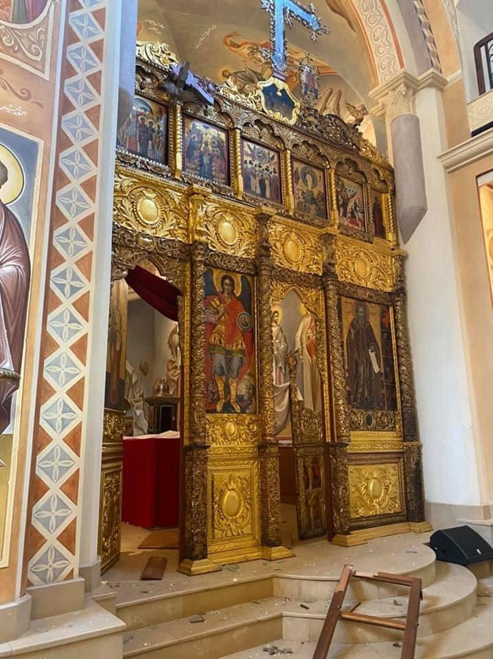 آثار الانفجار بالكاتدرائية (3)