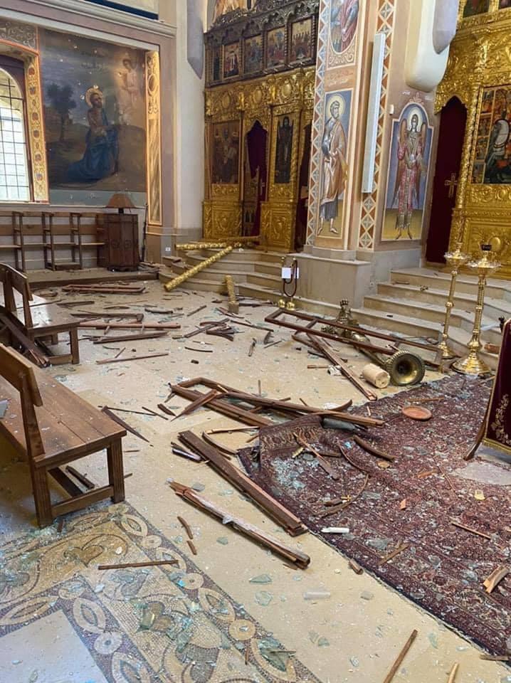 آثار الانفجار بالكاتدرائية (5)