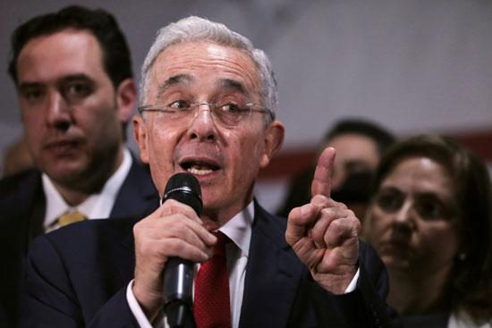 ألفارو أوريبى الرئيس السابق