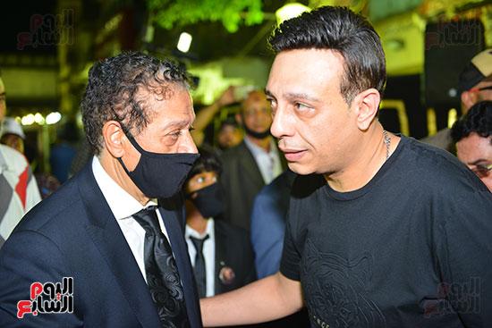 الفنان محمد عبد الحفظ في عزاء نجل المسعود