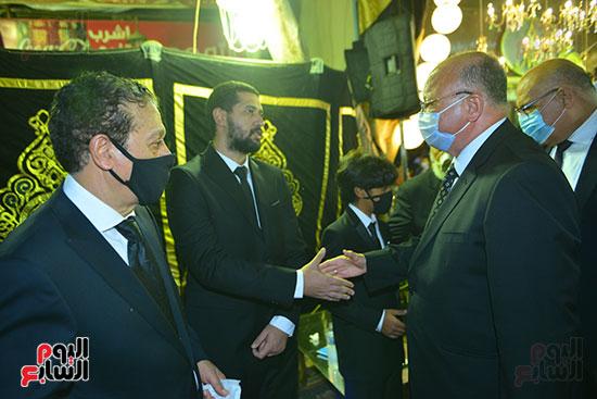 محافظ القاهرة في العزاء