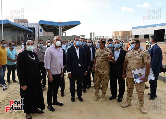 رئيس الوزراء يتفقد سوق الجملة ببرج العرب (6)