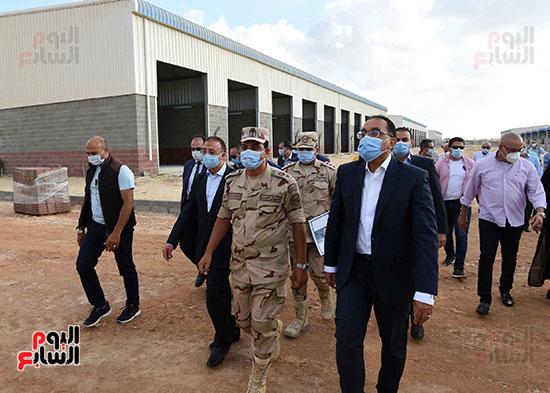 رئيس الوزراء يتفقد سوق الجملة ببرج العرب (7)
