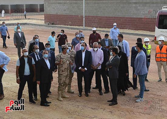 رئيس الوزراء يتفقد سوق الجملة ببرج العرب (8)