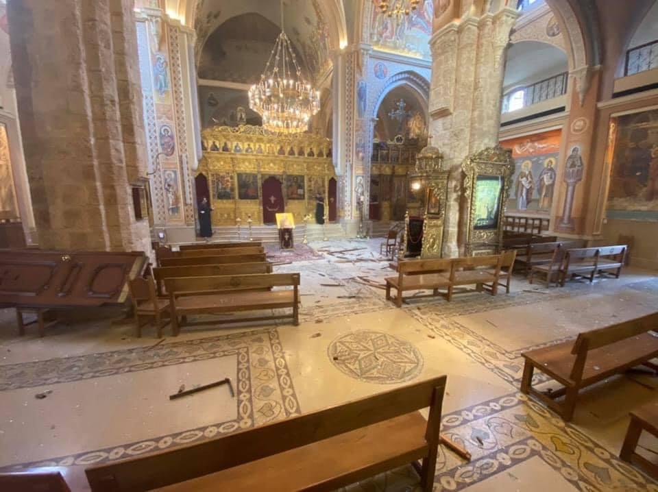 آثار الانفجار بالكاتدرائية (1)