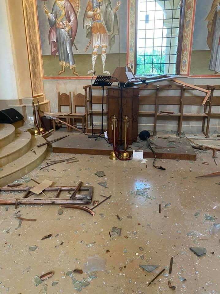 آثار الانفجار بالكاتدرائية (7)