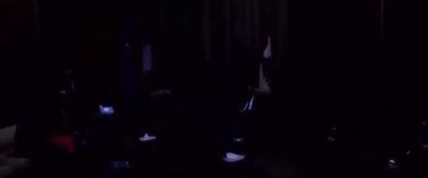 3 لحظة انقطاع الكهرباء فى حضور ماكرون داخل صالون الشرف الرئاسى بلبنان