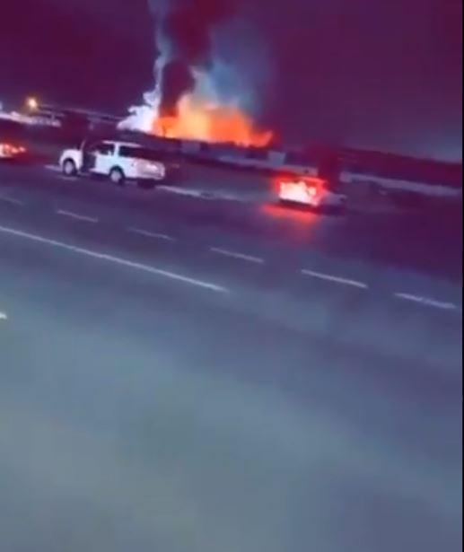 اندلاع حريق في ساحة قطار الحرمين بالسعودية (2)