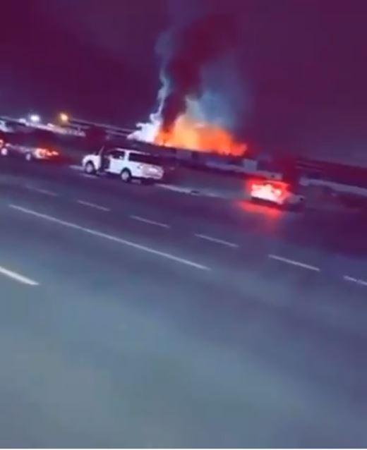 اندلاع حريق في ساحة قطار الحرمين بالسعودية (3)