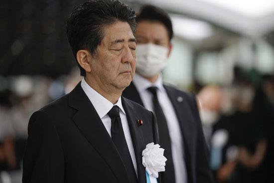 رئيس الوزراء شينزو آبى يشارك فى المراسم