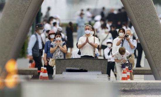 يابانيون يشاركون فى إحياء ذكرى ضحايا انفجار القنبلة النووية