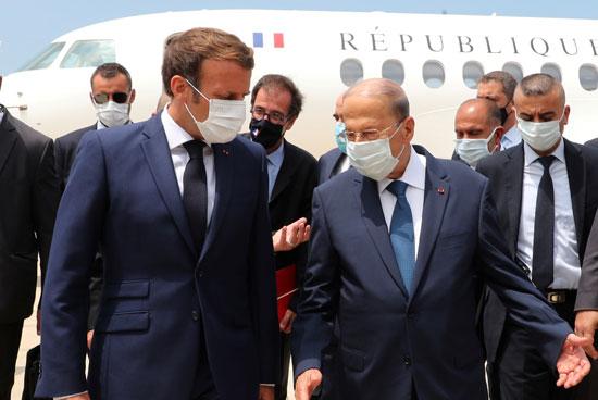 ماكرون لدى وصوله بيروت
