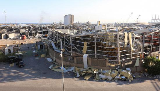 دمار بميناء بيروت