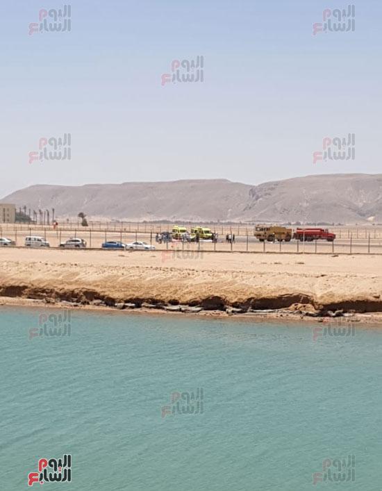 سقوط طائرة خاصة فى مهبط مطار الجونة بالغردقة (6)